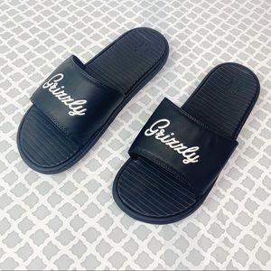 NWT Men's Black Grizzly Slide Sandals